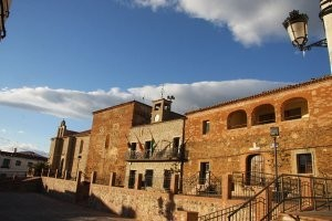 Casa fuerte de los Señores de Torrejón (SXV) / Hospital del Conde (S XVI).